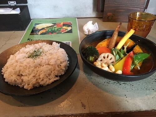 【サムライ】野菜たっぷり!女性向けの美味しい函館のスープカレー店
