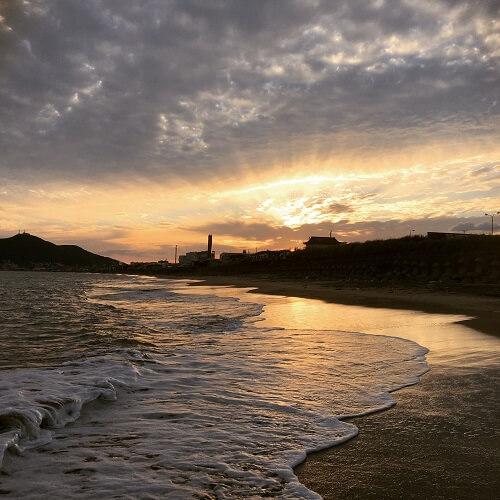 湯の川の夕日
