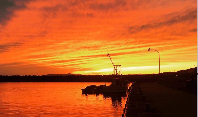 函館港の夕日