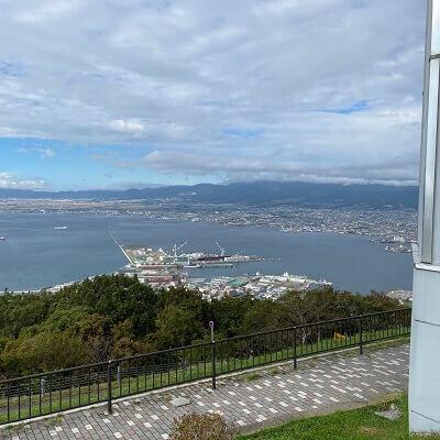 函館山から見た昼の津軽海峡
